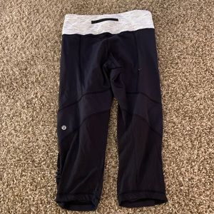Lululemon crops leggings pants size 8 medium